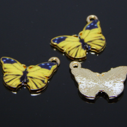 2 Pz  Ciondolo Charms Farfalla Smaltata Tono giallo base tono oro