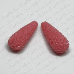 Perla Goccia  in resina intagliata rilievo fiori colore Rosa Confetto 27x10mm
