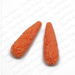 Perla Goccia  in resina intagliata rilievo fiori colore Corallo 27X10mm