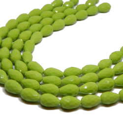 5 Pz Goccia in vetro sfaccettato Briolette Opaque Verde Mela 15x10 mm