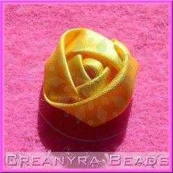 4 Pz Applicazione Bocciolo di rosa colore Giallo doppio raso