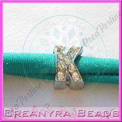 Lettera K strass foro largo in metallo 9x5mm foro da 3 mm
