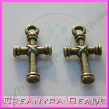 15 pz Ciondolo croce in metallo tono bronzo 20x11 mm
