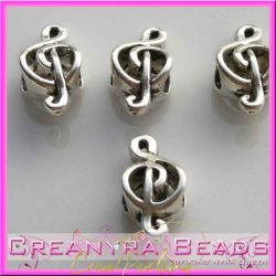 8 Pz Perla foro largo chiave di violino  3d in metallo argento antico