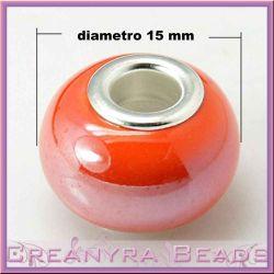 Perla foro largo in ceramica arancio con rivetti