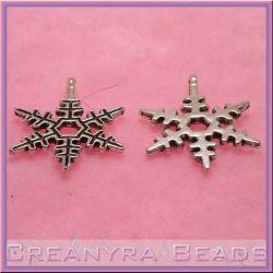10 pz Ciondolo fiocco di neve in metallo tono argento antico 23X20mm in metallo nichel free