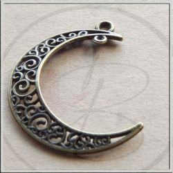 Ciondolo Chandelier Luna in metallo tono argento antico bronzo 38 mm