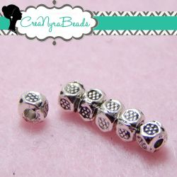 100  Pz Perla Separatore cubetto 3,5x3,5mm metallo tono argento antico