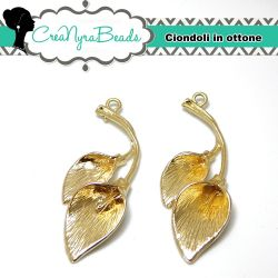 Charms ciondolo in ottone Calla 37x14 mm tono oro