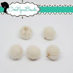 Ciondolo Perla Nappina Bianco Antico 15mm  in ecopelliccia
