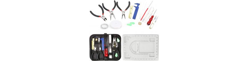 Attrezzatura per Bigiotteria: Aghi Pinze  & Co.